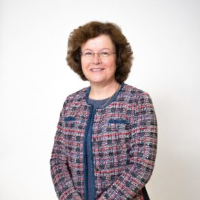 Photo of Professor Eunice Simmons