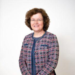 Photo of Professor Eunice Simmons